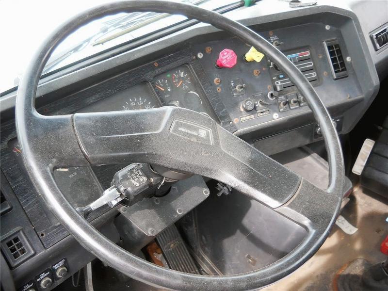 1995 Volvo WG42T - 7