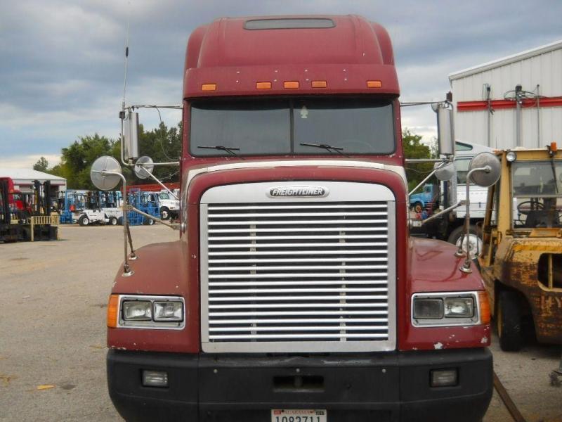 1998 Freightliner FLD12042T - 2