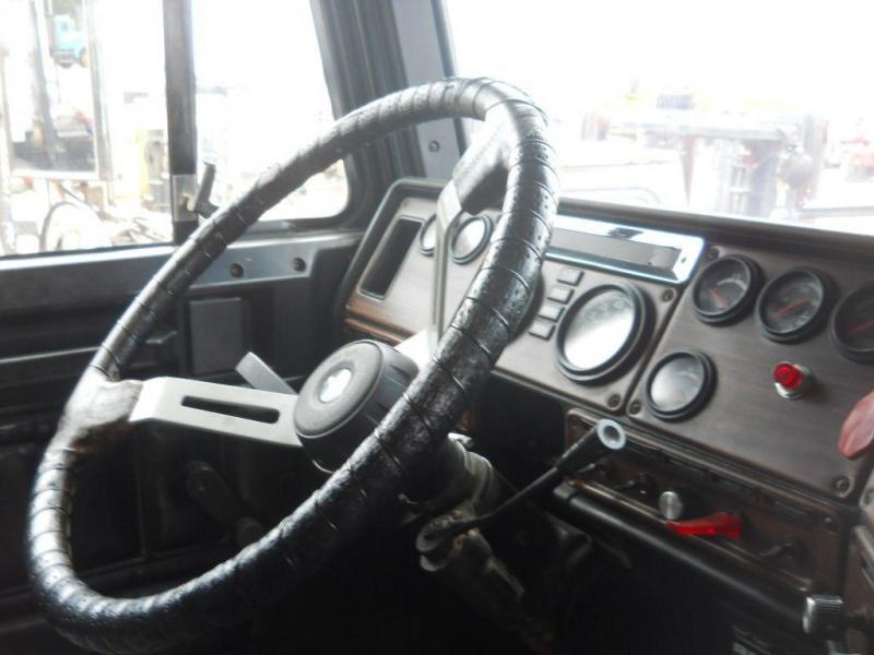 1998 Freightliner FLD12042T - 14