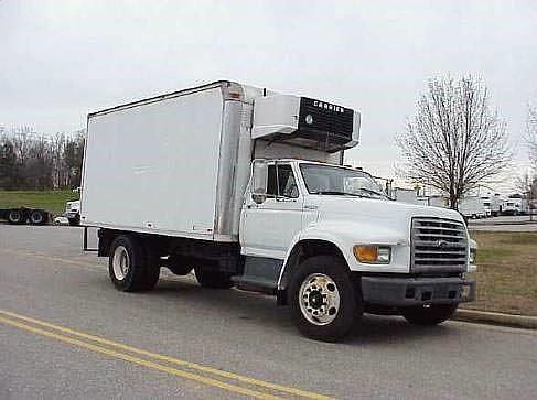 1999 Ford F800 - 2