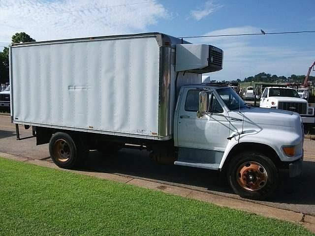 1999 Ford F800 - 3