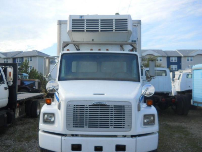 2000 Freightliner FL80 - 2