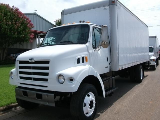 2000 Sterling L7500 - 1