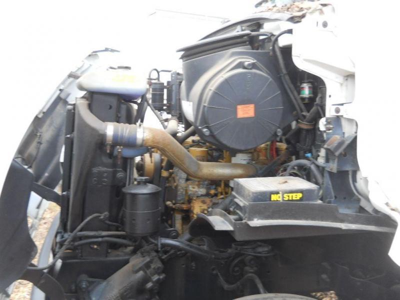 2000 Sterling L7500 - 6