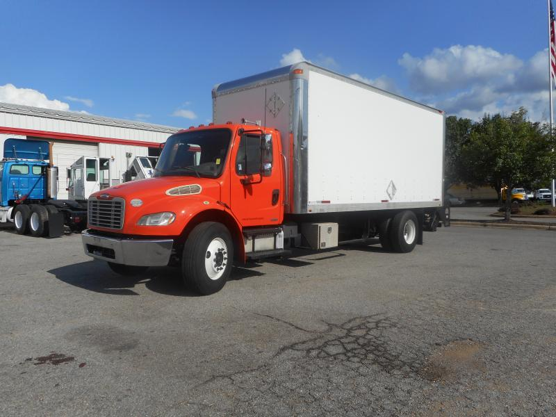 2009 Freightliner BUSINESS CLASS M2 106 - 1