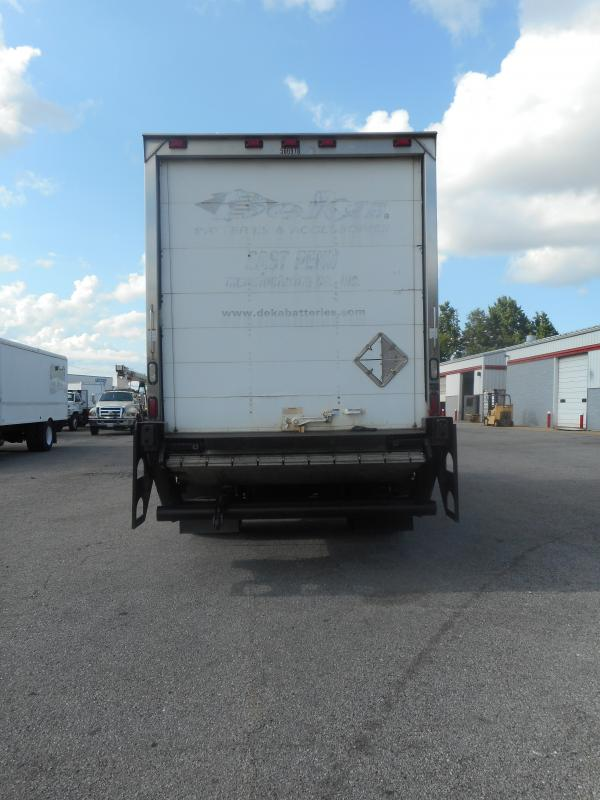 2009 Freightliner BUSINESS CLASS M2 106 - 4