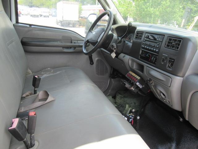 2004 Ford F350 XL - 14